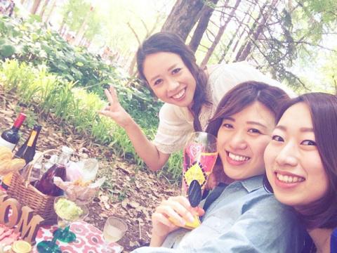 サーブコープ梅田ヒルトンプラザウエストオフィスタワーのチームメンバーとピクニック