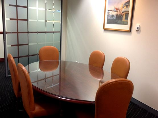 chifley-tower-sydney-meeting-room-dining-555x416.jpg