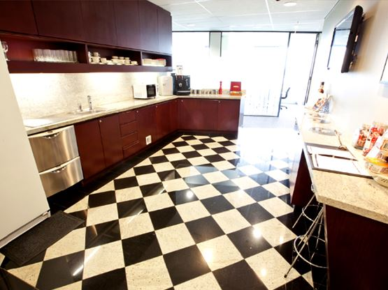 avaya-house-kitchen-555x416.jpg
