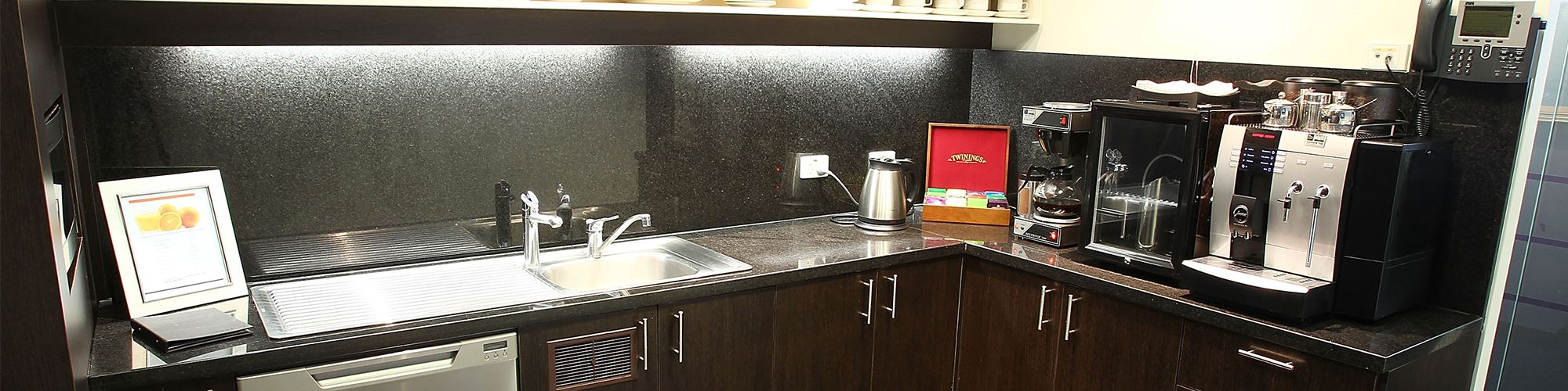 banner-140-william-street-melbourne-kitchen.jpg