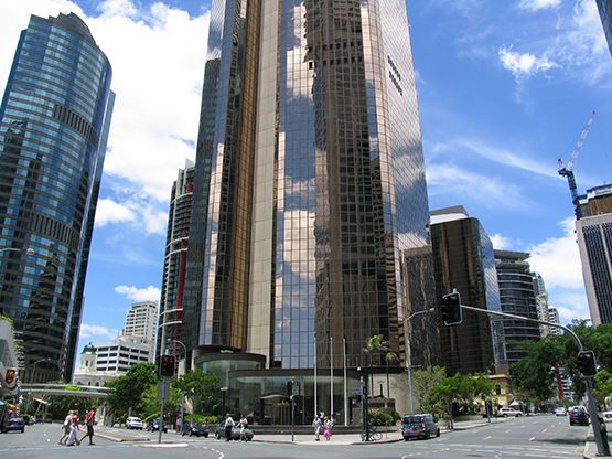 10-eagle-street-brisbane-building-1-555x416.jpg
