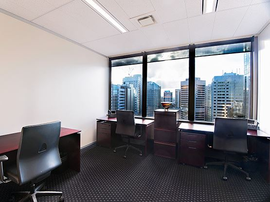 10-eagle-street-brisbane-office-2-555x416.jpg