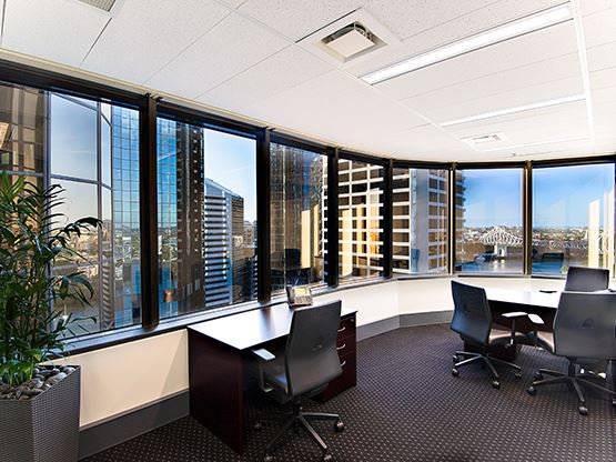 10-eagle-street-brisbane-office-3-555x416.jpg