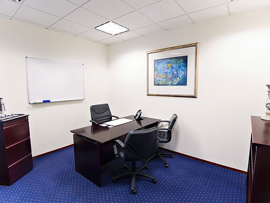 riparian-plaza-brisbane-office-2-555x416.jpg