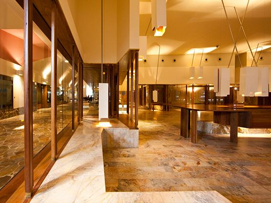 santos-place-brisbane-foyer-555x416.jpg