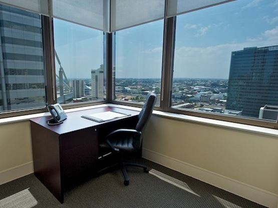 amp-tower-perth-office-suite-555x416.jpg