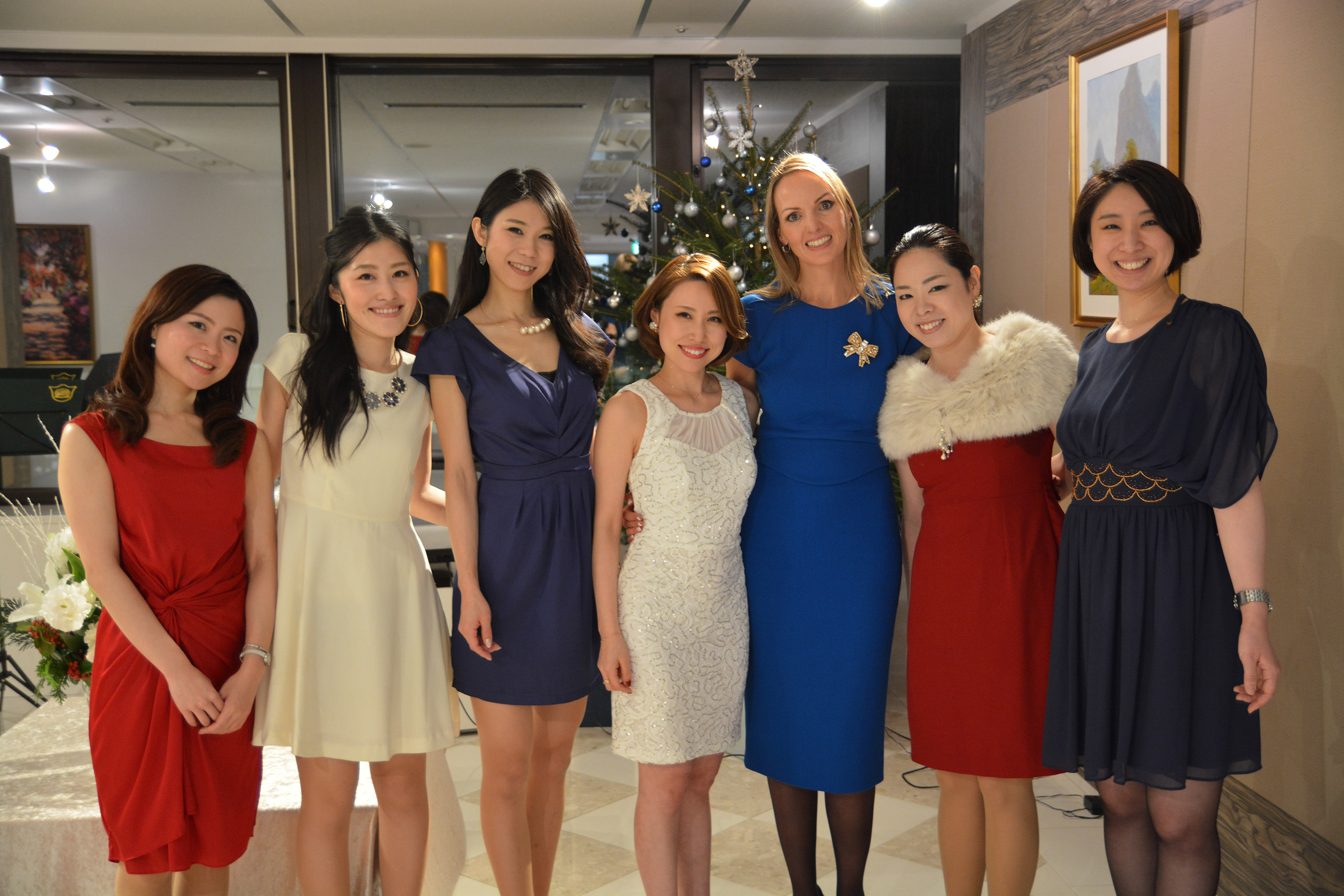servcorp staff with general manager, olga vlietstra, for a christmas event