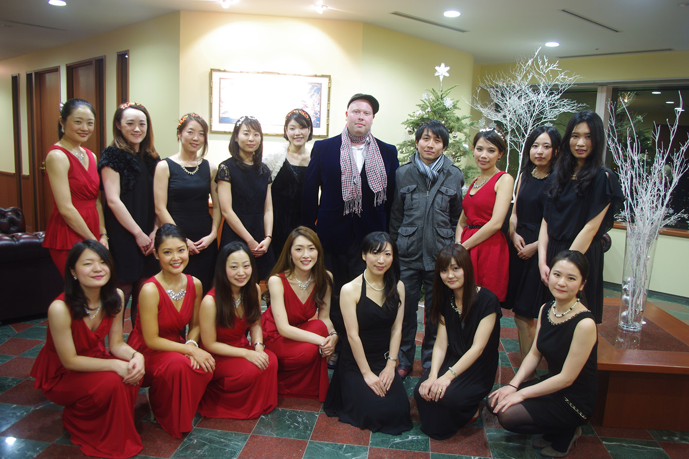 the servcorp team at a hibiya serviced office christmas party