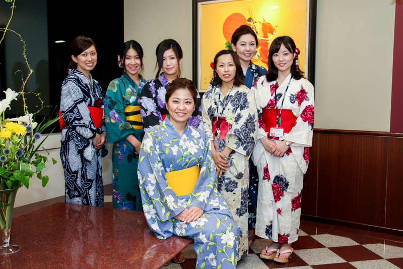 nagoya-team-group-photo-with-yukata