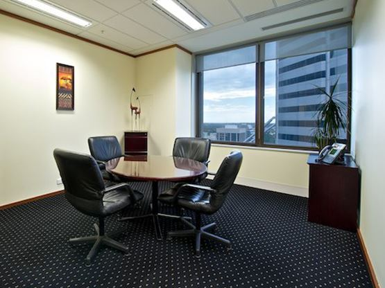 amp-tower-perth-meeting-room-555x416.jpg