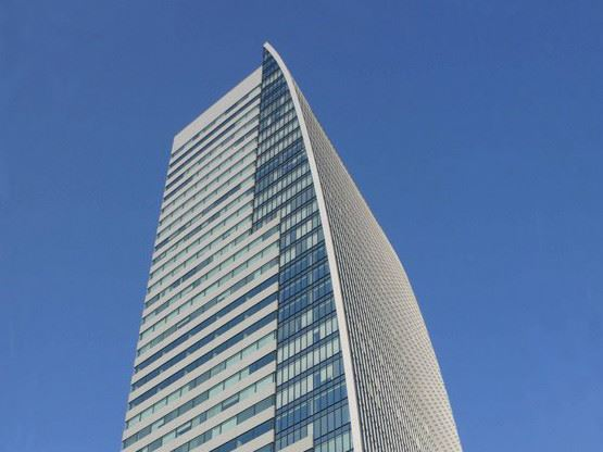 nagoya-lucent-tower-nagoya-gallery-1.jpg